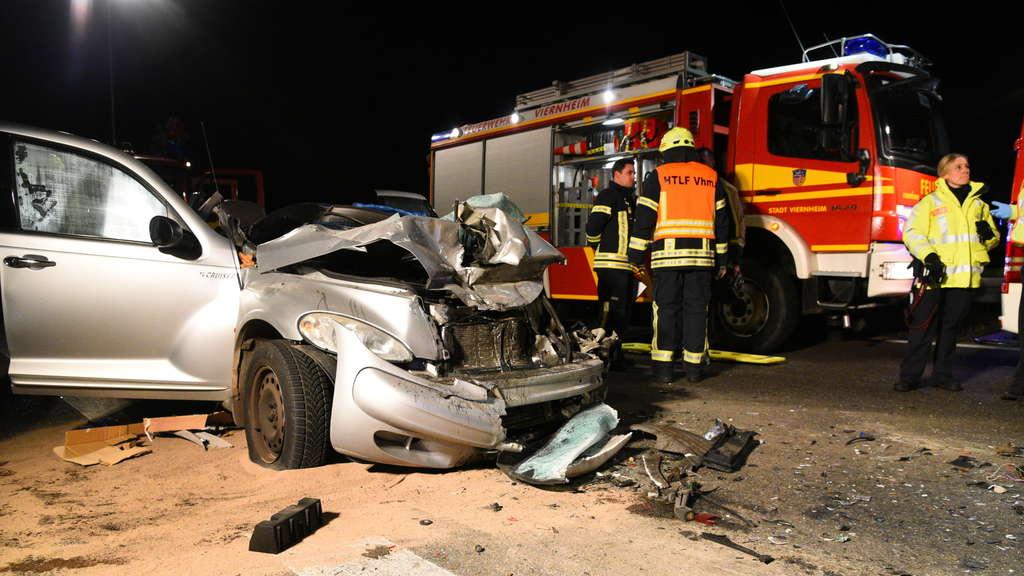 mannheim sandhofen viernheim unfall auf todesstrecke a6 autofahrer kommt ums leben region. Black Bedroom Furniture Sets. Home Design Ideas