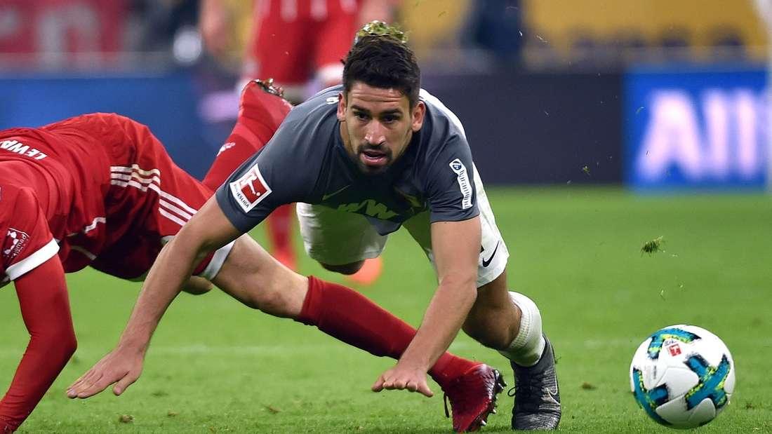 Am Samstag wohl nicht im Einsatz: Rani Khedira fehlt dem FC Augsburg wahrscheinlich gegen den 1. FSV Mainz 05.