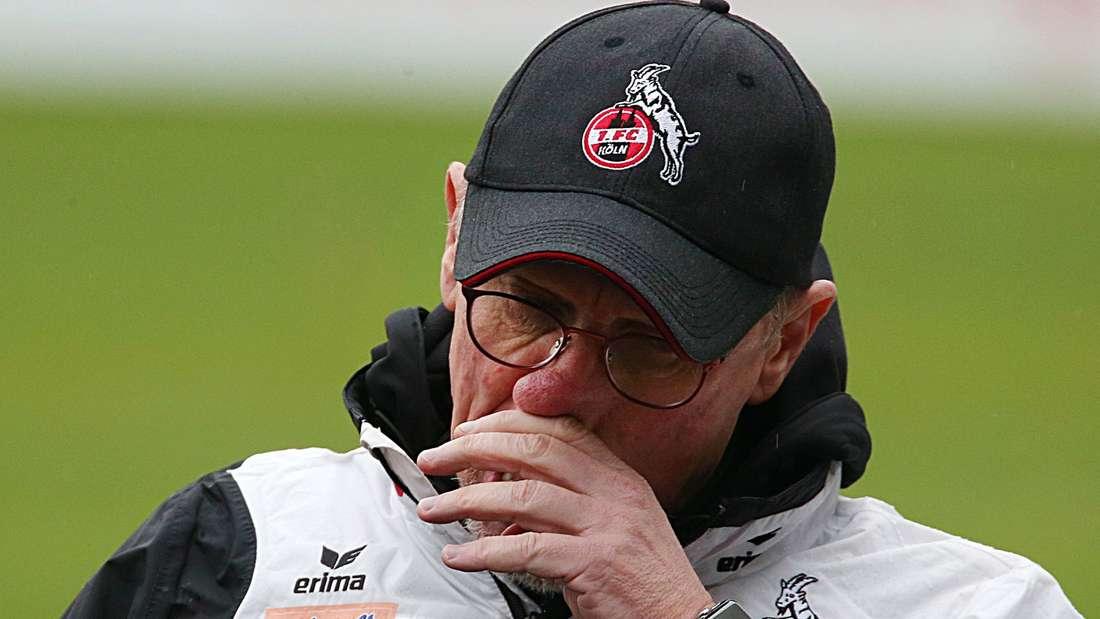 Steckt mit dem 1. FC Köln in einer tiefen Krise: Trainer Peter Stöger braucht dringend sportliche Argumente.