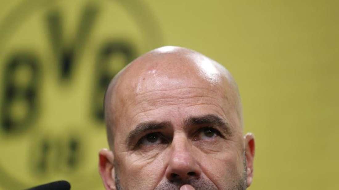 Dortmunds Trainer Peter Bosz steht unter Druck. Foto: Ina Fassbender