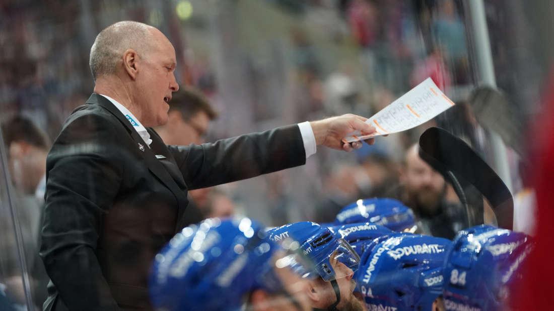 Coach Bill Stewart will mit den Adlern in Köln drei Punkte holen.