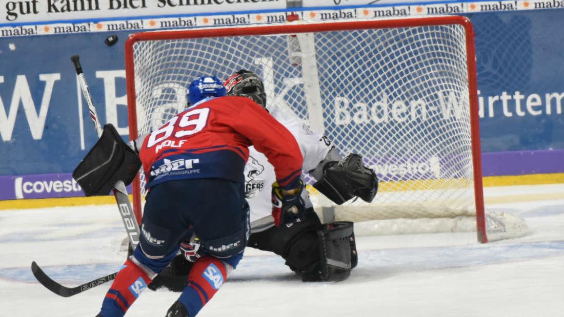 DEL, 40. Spieltag: Adler Mannheim gegen Nürnberg Ice Tigers.