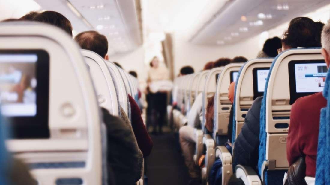 Sitzen Sie im Flugzeug am Fenster oder am Gang?