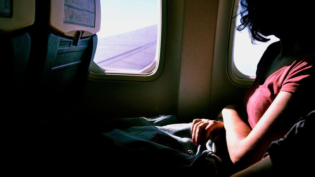 Wer in den Urlaub fliegt, wartet meist gespannt, wann es endlich losgeht.