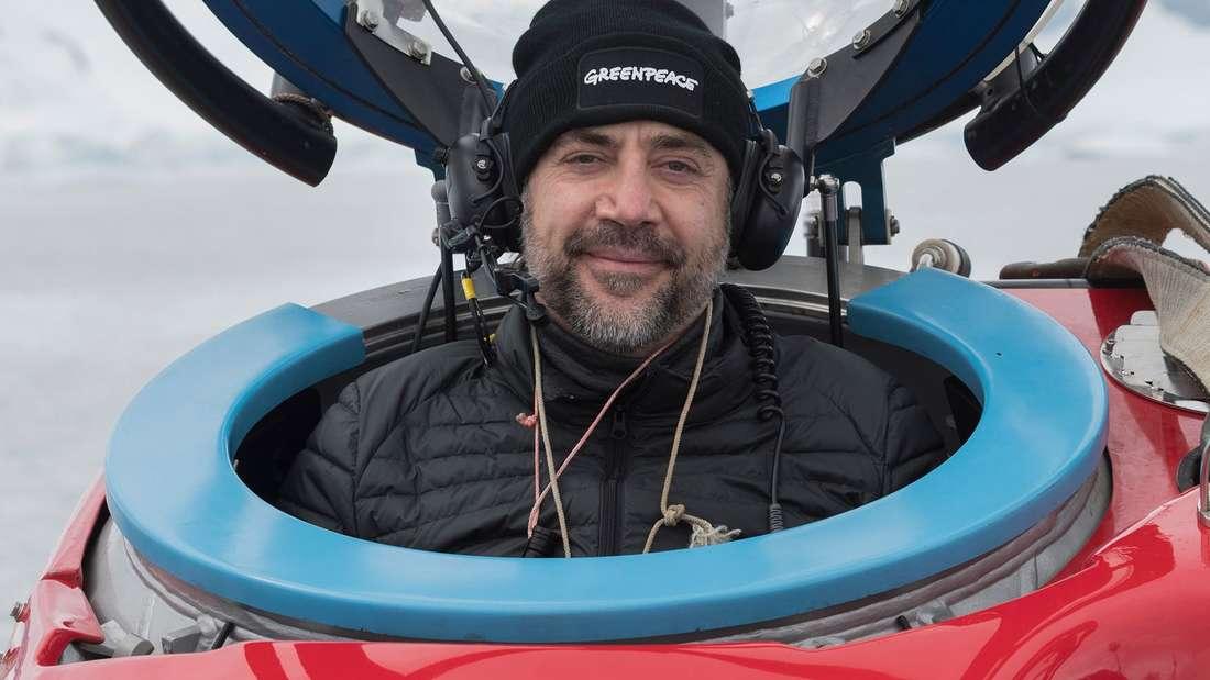 Schauspieler: Javier Bardem taucht ab - mit Greenpeace-U-Boot in die Antarktis.