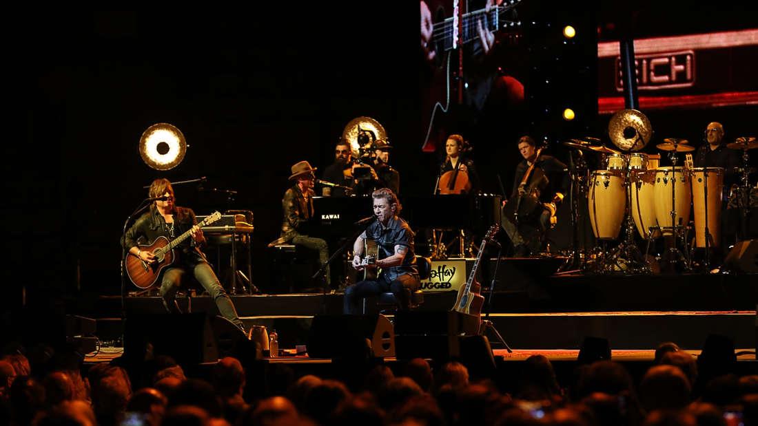 Peter Maffay überzeugt bei seinem MTV-Unplugged-Konzert in der ausverkauften SAP Arena mit Musik pur – ohne Schnickschnack!