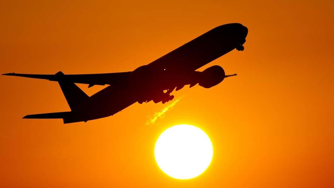 Fliegen stellt manche Passagiere auf eine Geduldsprobe.