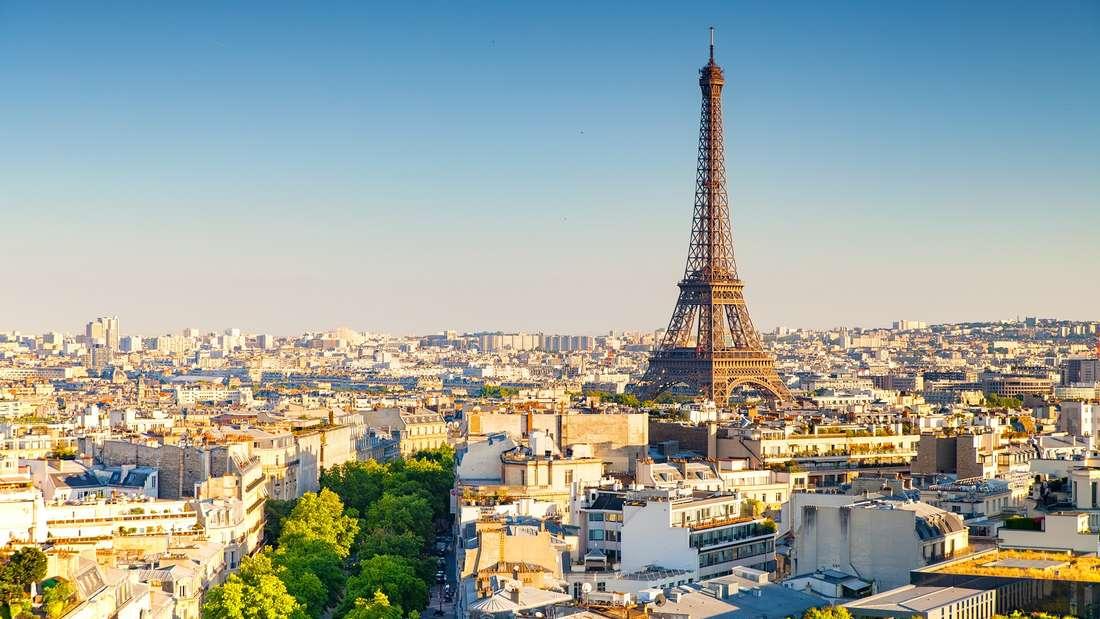 Paris ist beliebt bei Touristen.