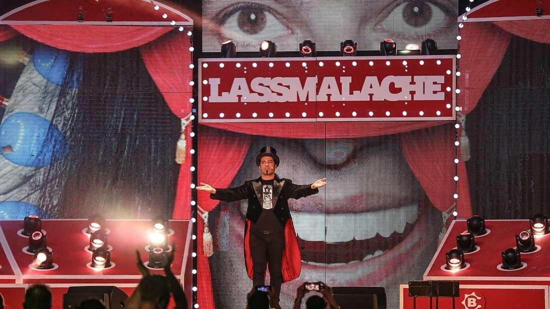 """Bülent Ceylan mit seiner neuen Show """"LASSMALACHE"""" in der ausverkauften SAP Arena."""
