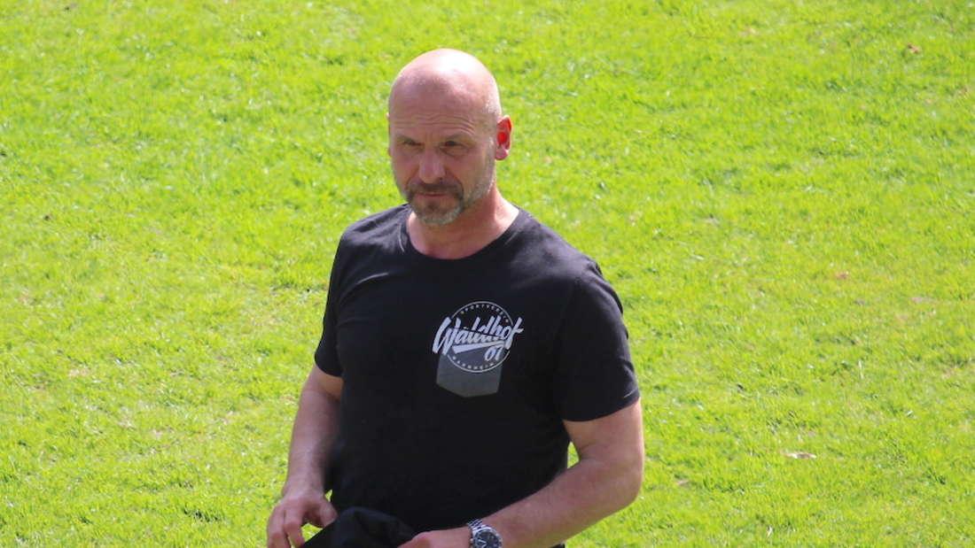 Trainer Bernhard Trares hat den SV Waldhof Mannheim in die Aufstiegsspiele zur 3. Liga geführt.