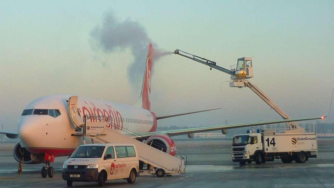 Für Flugzeug herrschen strikte Sicherheitsvorkehrungen.