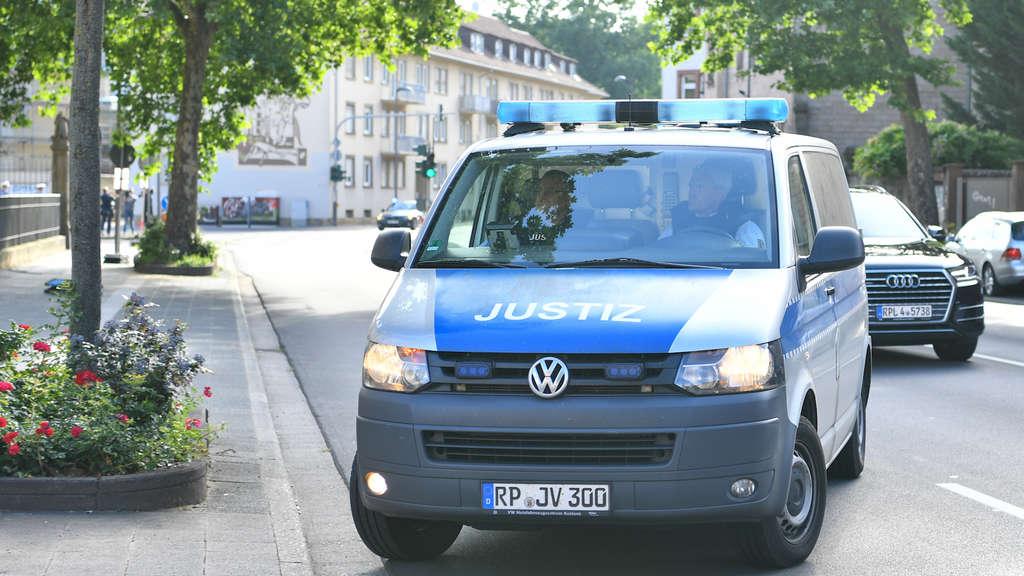 Kandel/Landau: Flüchtling ersticht Mia: Prozessauftakt wegen Mordes ...