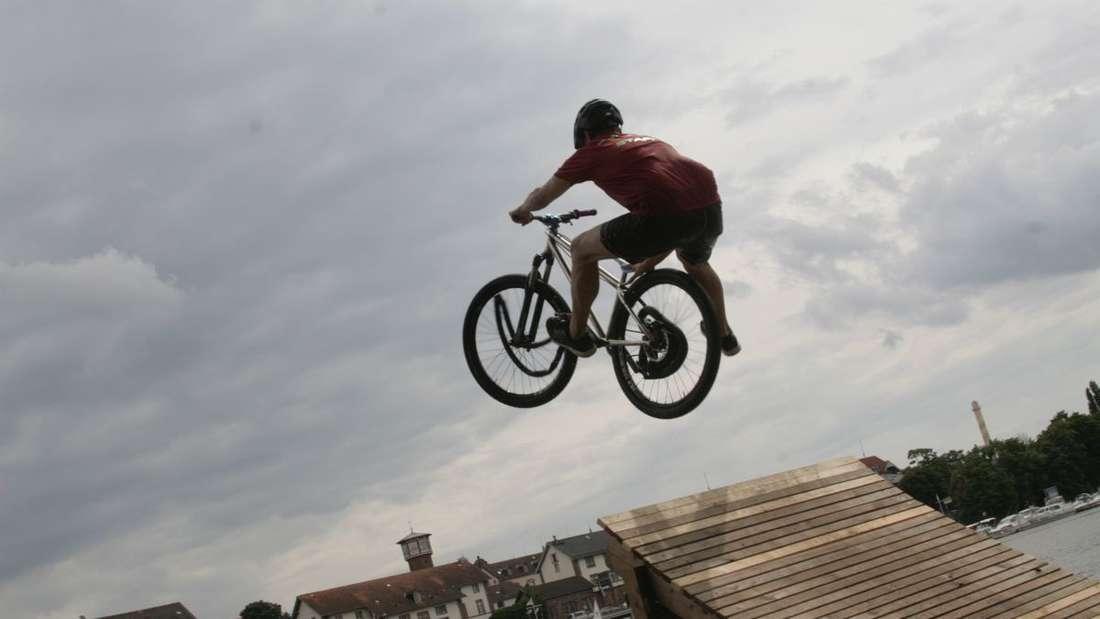 Lebendiger Neckar - Fest am Neckarufer lockt mit den zahlreichen Attraktionen