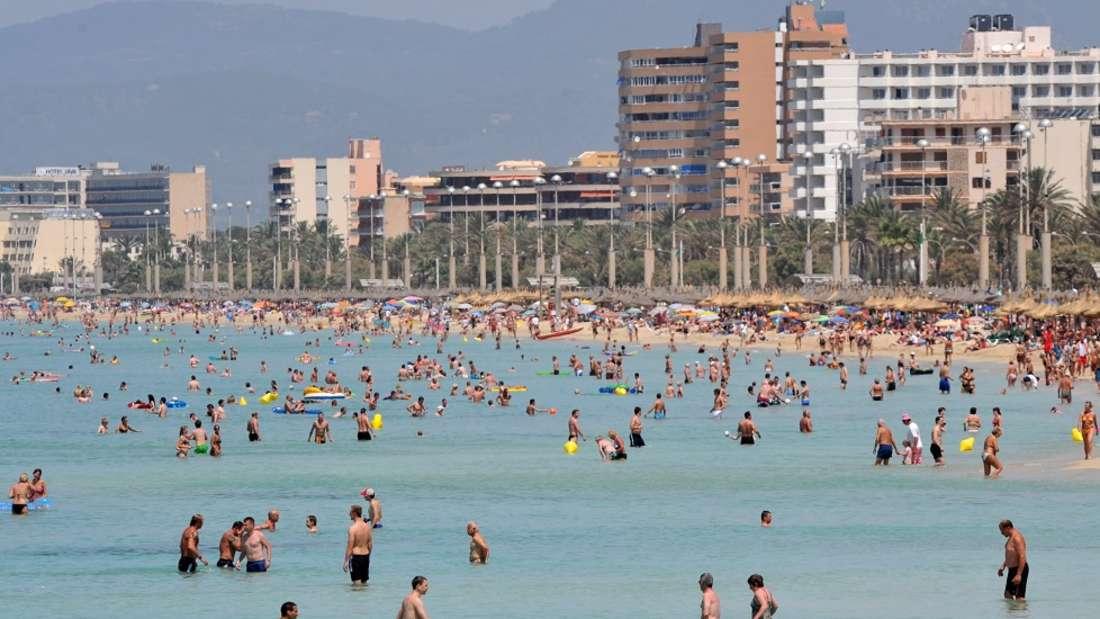 Mallorca verbietet diesen Sommer Touristen so viel wie selten zuvor.