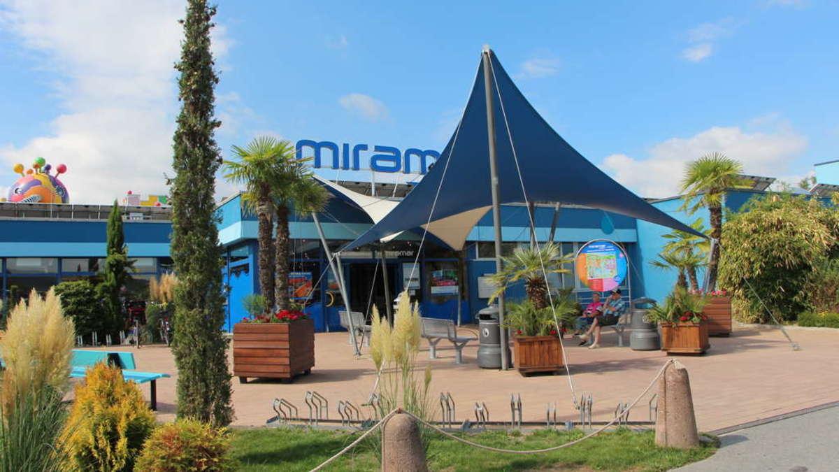 Weinheim: Exhibitionist im Miramar: Mann masturbiert vor