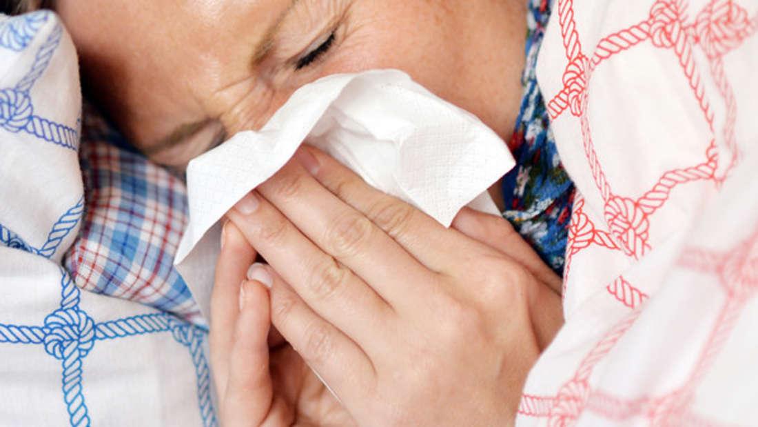 Auch bei warmen Temperaturen kann ein grippaler Infekt zuschlagen.