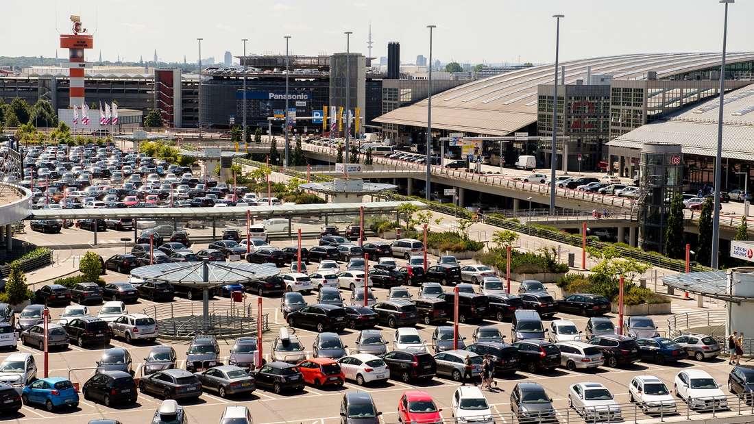 Parken am Flughafen Hamburg kann ins Geld gehen - doch andere Flughäfen sind in dieser Hinsicht noch teurer.