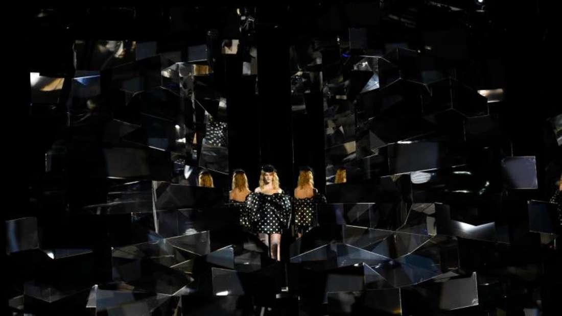 Model im «Spiegelkabinett»:die Celine-Show in Paris. Foto: Xinhua