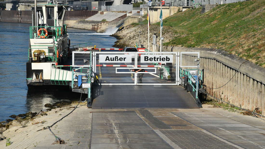 Die Rheinfähre zwischen Mannheim und Altrip hat wegen Niedrigwasser ihren Betrieb eingestellt.