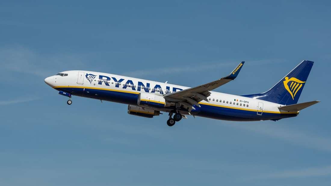 Ryanair muss wegen eines rassistischen Vorfalls an Bord erneut mit einem Imageproblem kämpfen.