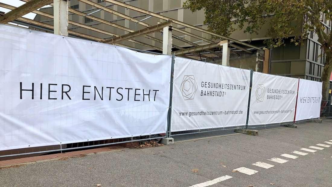 Stattdessen soll hier bereits 2020 das neue Gesundheitszentrum Bahnstadt entstehen.