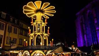 Pinker Weihnachtsmarkt.Heidelberg Altstadt Weihnachtsmarkt Erstrahlt In Rosa