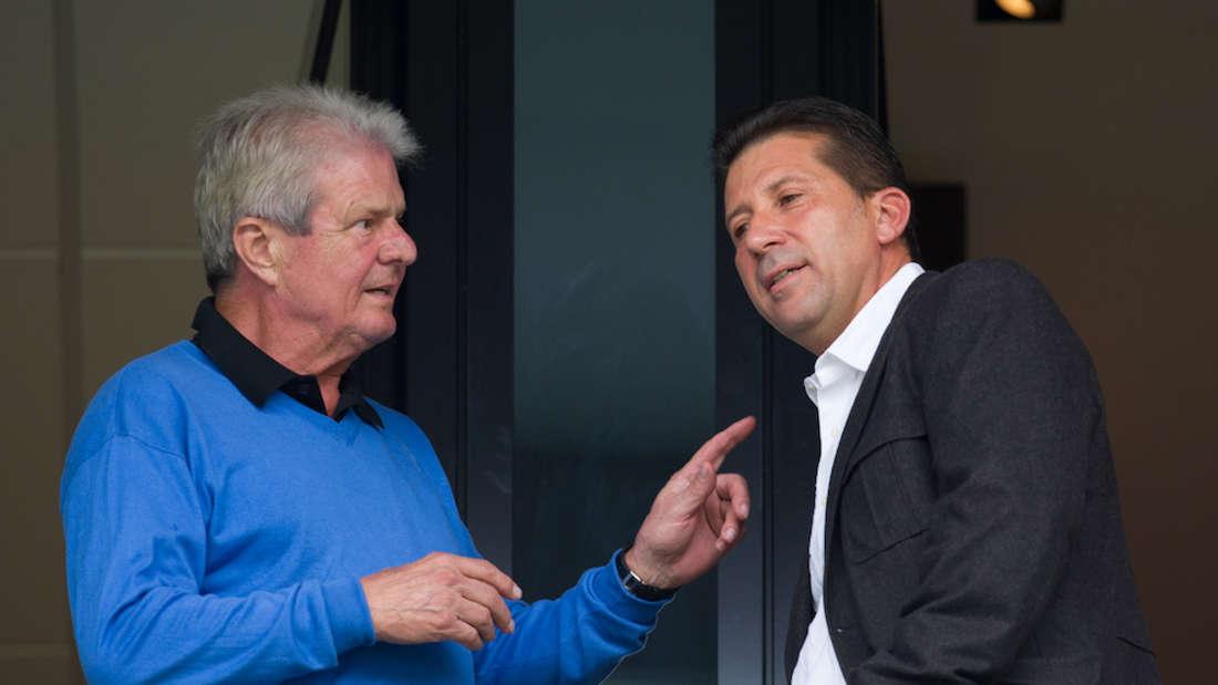 TSG-Präsident Peter Hofmann (r.) will, dass Mäzen Dietmar Hopp (li.) künftig besser gegen Anfeindungen geschützt wird (Archivfoto).