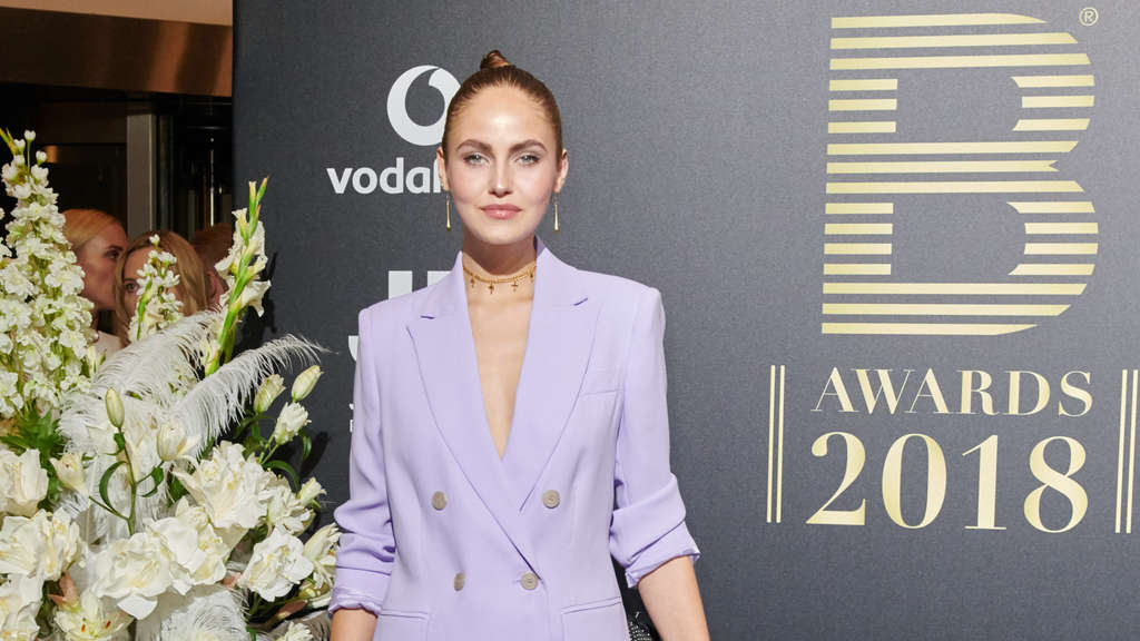 Elena Carriere: Im November war sie ein Gast bei den Place to Be Awards.