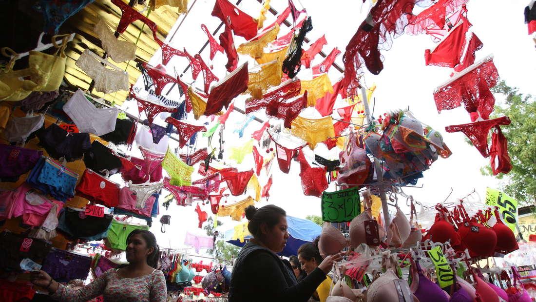 Zum Jahreswechsel wird in Kolumbien und Mexico gelbe Unterwäsche getragen.