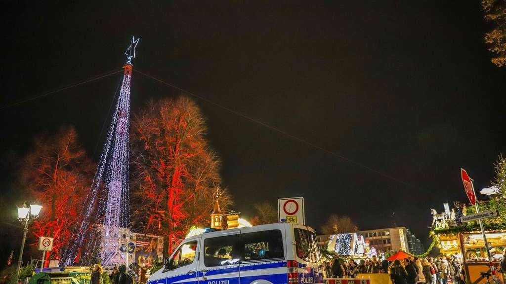Karlsruhe Weihnachtsmarkt.Karlsruhe Polizei Sichert Weihnachtsmarkt Und Ettlinger Tor Nach