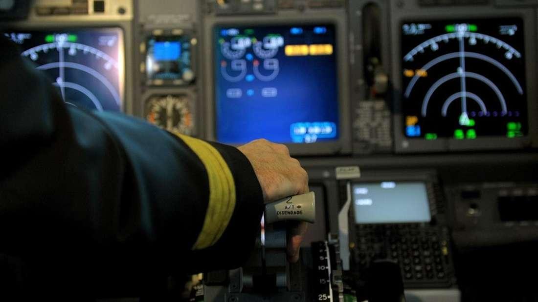 Ein Pilot kehrte auf halber Strecke um, weil ein Spenderherz an Bord vergessen worden war.