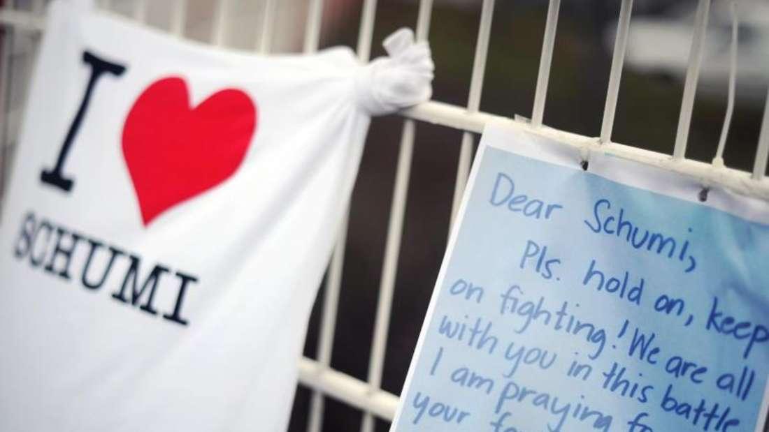Die Fans drückten im Januar 2014 ihr Mitgefühl auf unterschiedlichste Weise am Kartcenter in Kerpen aus. Foto: Marius Becker