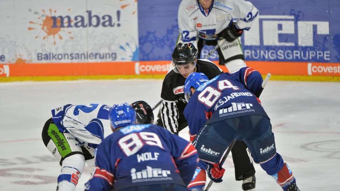 Die Adler feiern ihren sechsten Sieg in Folge - 6:3 gegen die Straubing Tigers (Archivfoto)