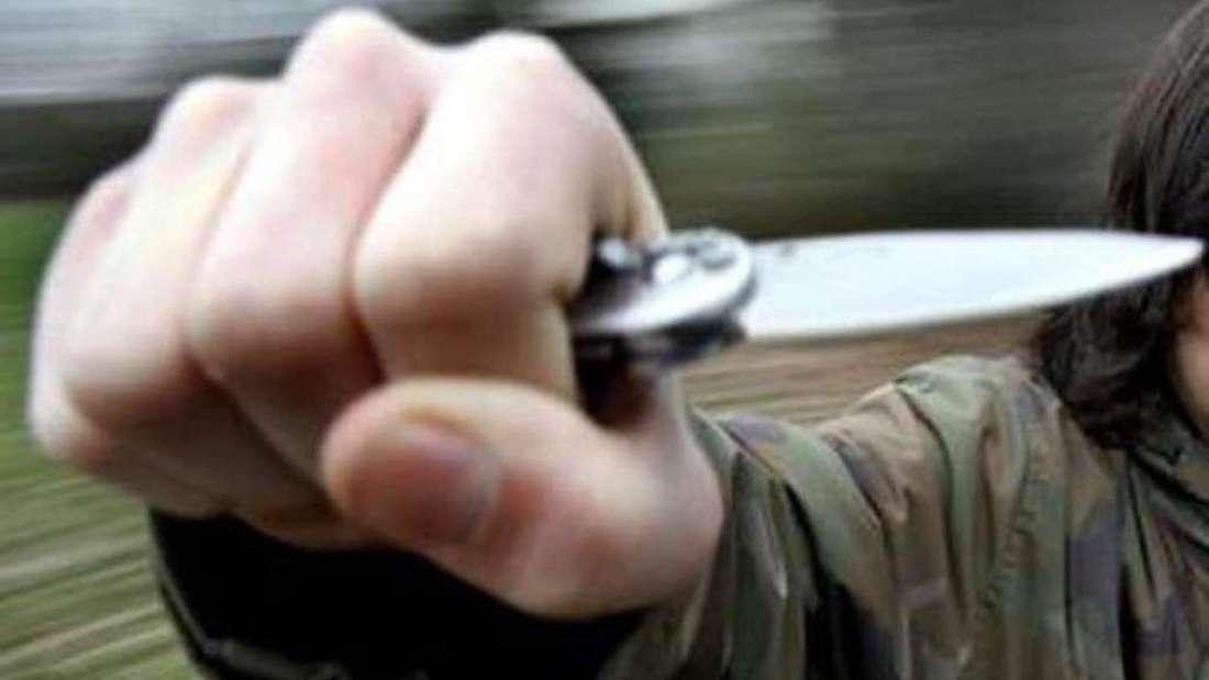 Raubüberfall mit Messer. (Symbolfoto)