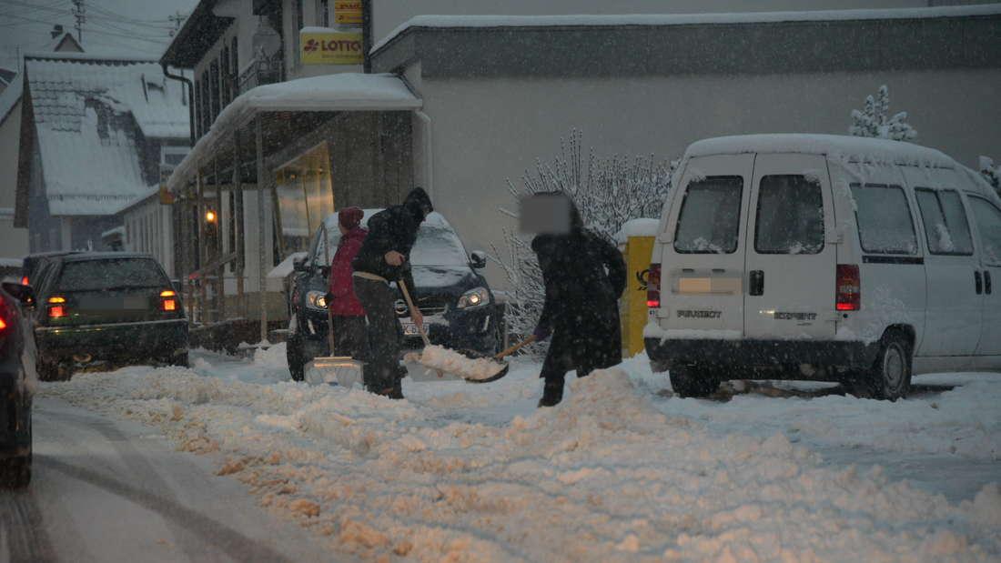 Starker Schneefall sorgt für Behinderungen
