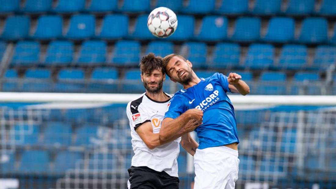 Bochums-Toptorjäger Lukas Hinterseer (r.) hat in fünf Zweitligapartien gegen den SVS fünf Tore erzielt. (Archivfoto)
