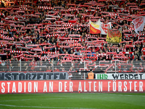 Fan von Union Berlin (19) stirbt nach Messerattacke!