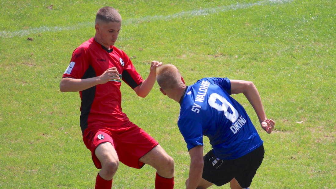 Dorian Diring (r.) könnte gegen den SC Freiburg II wieder zum Waldhof-Kader zählen.