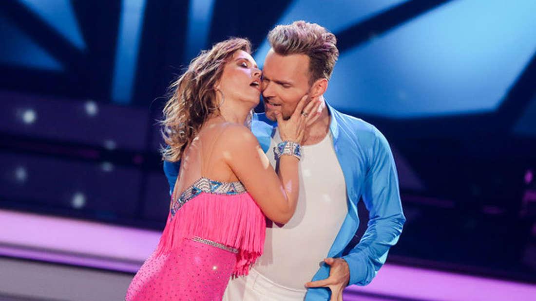 """Schauspielerin Tina Ruland und Profitänzer Vadim Garbuzov tanzen in der RTL-Tanzshow """"Let's Dance""""."""