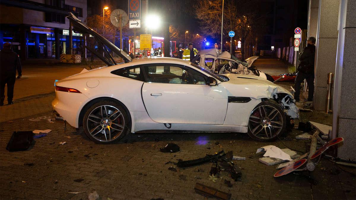 Unfall Stuttgart Jaguar