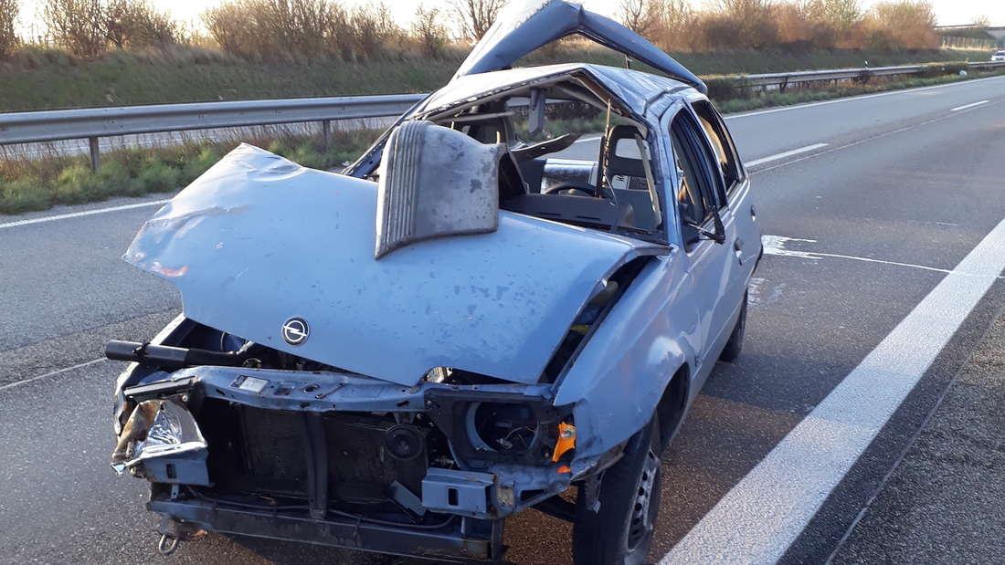 Glück im Unglück hat ein 32-jähriger Autofahrer auf der A65.