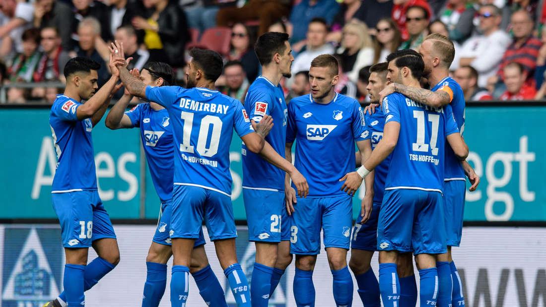 Fußball: Bundesliga, FC Augsburg - 1899 Hoffenheim, 28. Spieltag in der WWK-Arena