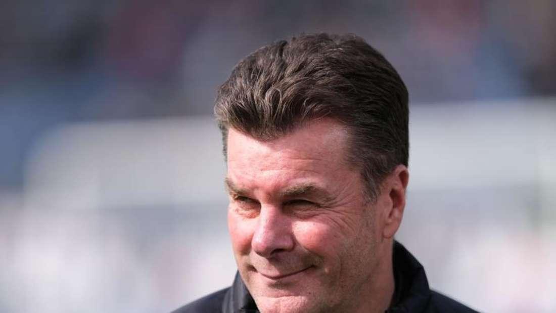 Der noch derzeitige Gladbach-Trainer Dieter Hecking wird mit Schalke in Verbindung gebracht. Foto: Peter Steffen