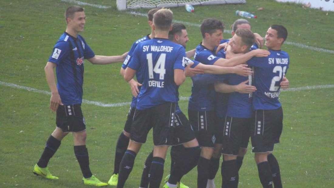 Der SV Waldhof Mannheim gewinnt souverän gegen den FC-Astoria Walldorf. (Archivfoto)