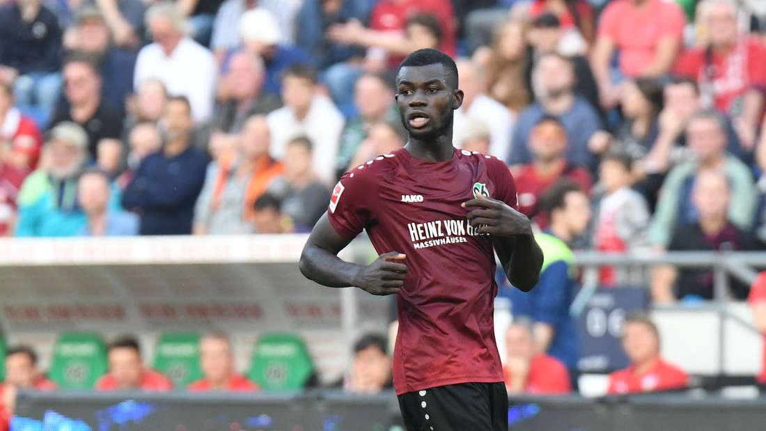 Ihlas Bebou von Hannover 96 steht vor einem Wechsel zur TSG 1899 Hoffenheim.