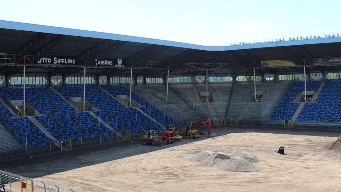 Die Umbaumaßnahmen im Carl-Benz-Stadion haben begonnen.