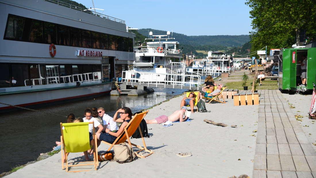 Der Neckarstrand in der Heidelberger Altstadt ist wieder geöffnet!