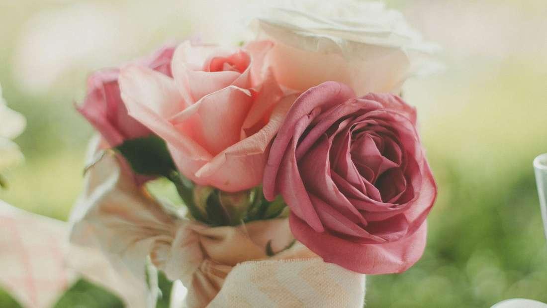 Halte am 30. Juni Ausschau nach Blumensträußen.
