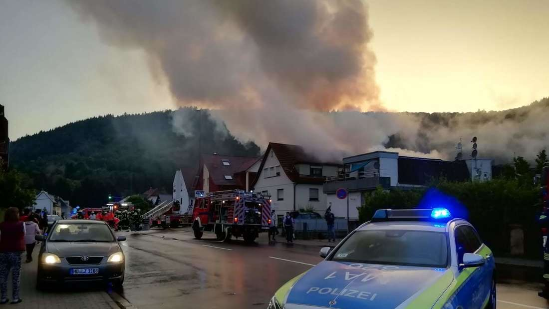 Feuer-Drama im beschaulichen Neckargemünd (22. Juni 2019). Nach einem Sauna-Brand rettet die Feuerwehr einen Anwohner in letzter Sekunde!