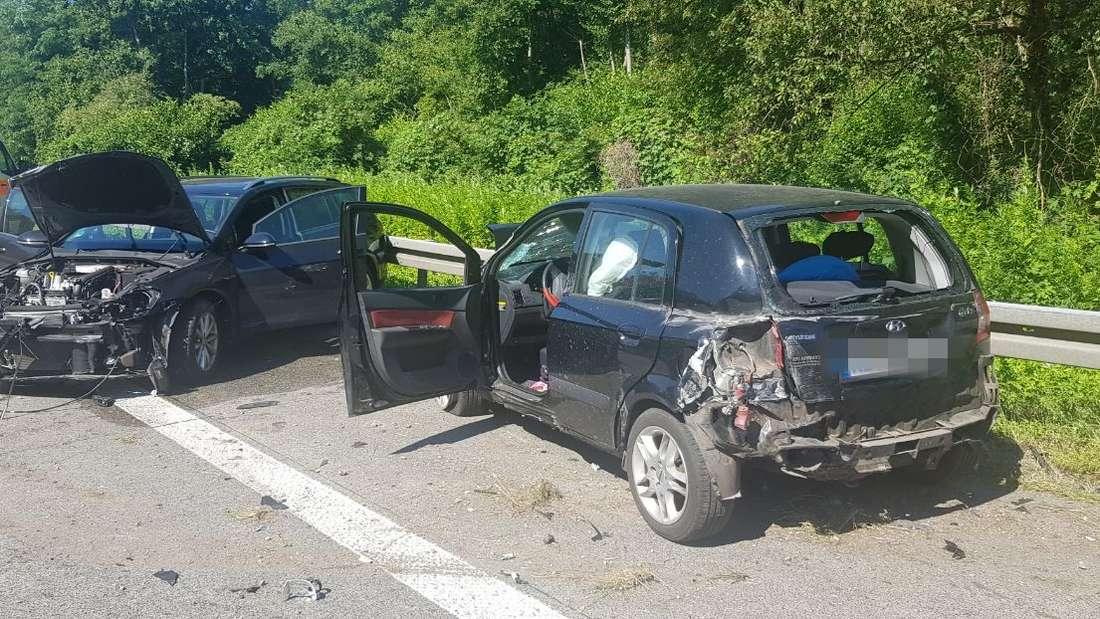 Schwerer Unfall auf der A5 mit drei Verletzten.
